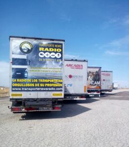 Publicidad de Transporte News Radio en camión rodando por las carreteras europeas